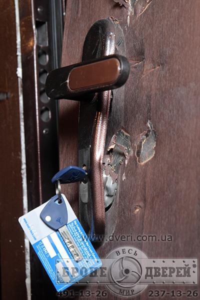 Противоударные двери 1 класса для квартир, изготовленные в Израиле.Взлом дв
